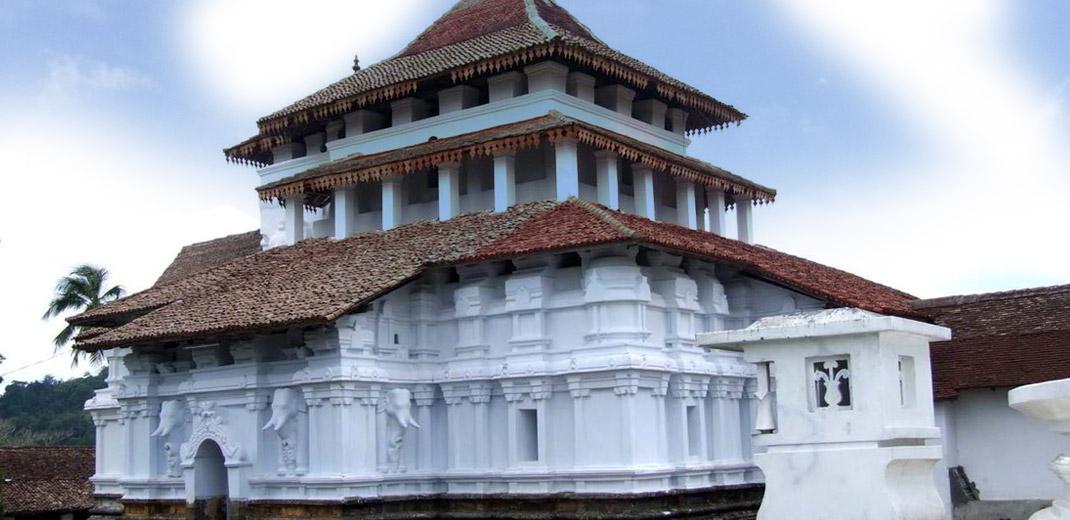 lankatilaka_temple